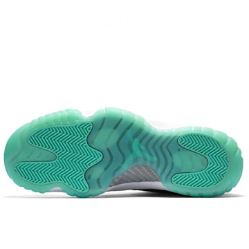 "NIKE AIR JORDAN FUTURE LOW ""WOLF GREY/EMERALD RISE"""