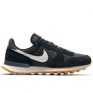 "NIKE INTERNATIONALIST Woman ""BLACK/SUMMIT WHITE/ANTHRACITE/SAIL"" - 828407 021"