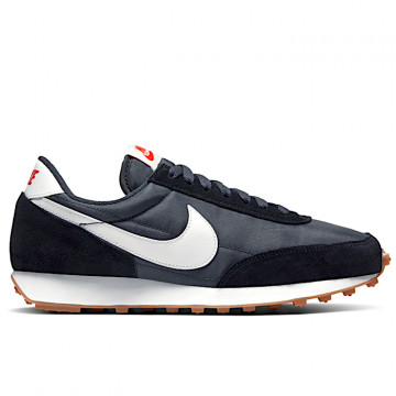 "NIKE DAYBREAK Woman ""BLACK/SUMMIT WHITE/OFF NOIR"" - CK2351 001"